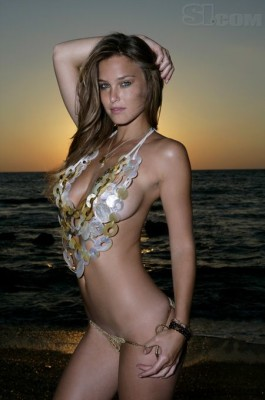Hottest-5-Sports-Illustrated-swimsuit-models-Bar-Refaeli